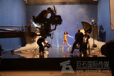 广告片明星李若彤代言报价-巨石国际传媒TVC电视广告片报价